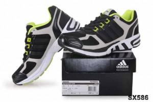 purchase cheap f672d 7e16a 阿迪达斯Adidas Equipment 10m 男跑步鞋黑绿G09495