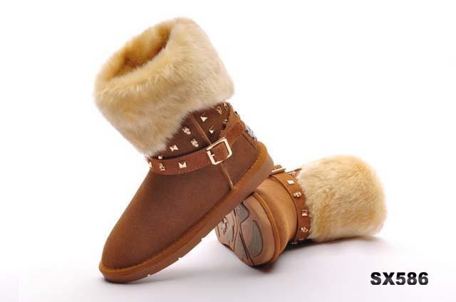 雪地鞋ugg雪地鞋毛绒铆钉短靴栗色
